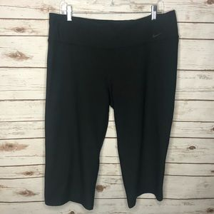 Nike XL Black Workout Capris Great Condition!